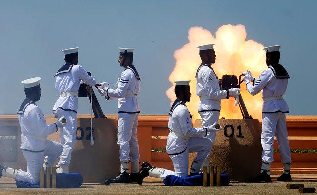 Sri Lanka's navy fires a gun salute during Sri Lanka's 69th Independence day celebrations in Colombo, Sri Lanka February 4, 2017. (Photo by Dinuka Liyanawatte/Reuters)