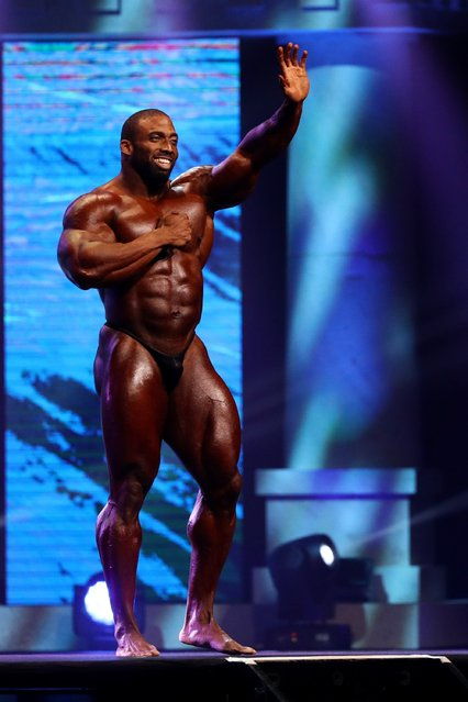 Cedric McMillan waves to the crowd after completing his routine in the Arnold Classic at the Greater Columbus Convention Center during the Arnold Sports Festival 2017 on March 4, 2017 in Columbus, Ohio. (Photo by Maddie Meyer/Getty Images)