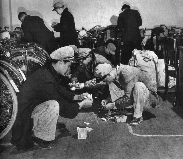 1948年3月。数工资的工人。 (March 1948. The number of wage workers)