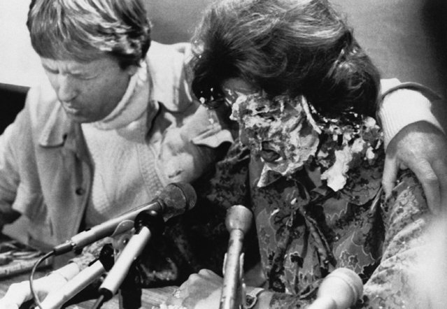 At a press conference for her concert at 8:00 P.M., Anita Bryant had a banana cream pie thrown in her face by Tom Higgins on October 14, 1977 in Den Moines, a self-professed homosexual from Minneapolis. Anita's husband, bob green said to let Higgins go untouched as they prayed for him. (Photo by AP Photo)