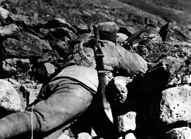 1933: Chinese snipers find the terrain ideal for their purpose during the Sino-Japanese conflict
