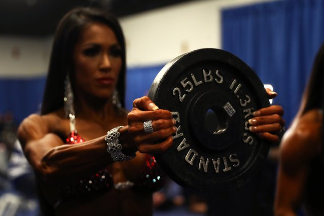 A Bikini International contestant warms up before taking the stage at the Greater Columbus Convention Center during the Arnold Sports Festival 2017 on March 4, 2017 in Columbus, Ohio. (Photo by Maddie Meyer/Getty Images)