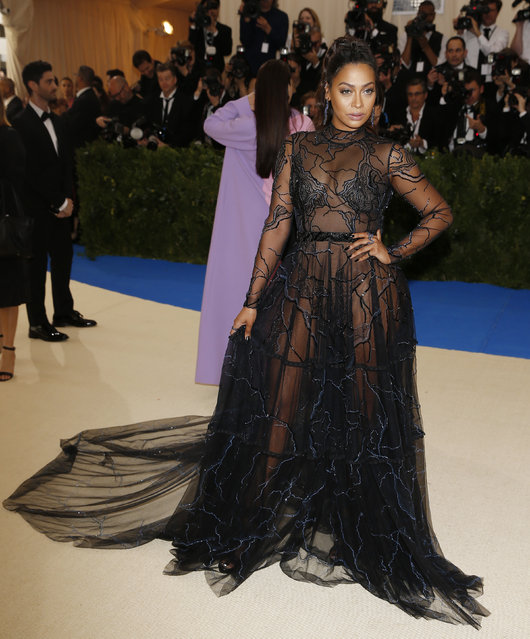 """La La Anthony attends """"Rei Kawakubo/Comme des Garcons: Art Of The In-Between"""" Costume Institute Gala – Arrivals at Metropolitan Museum of Art on May 1, 2017 in New York City. (Photo by Brendan Mcdermid/Reuters)"""