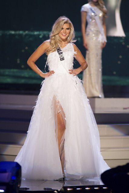 Bea Toivonen, Miss Finland 2014 competes on stage in her evening gown during the Miss Universe Preliminary Show in Miami, Florida in this January 21, 2015 handout photo. (Photo by Reuters/Miss Universe Organization)