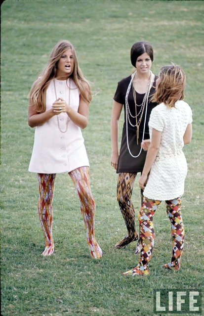 "Corona del Mar High School students Kim Robertson, Pat Auvenshine and Pam Pepin wear ""hippie"" fashions, 1969. (Photo by Arthur Schatz/Time & Life Pictures/Getty Images)"