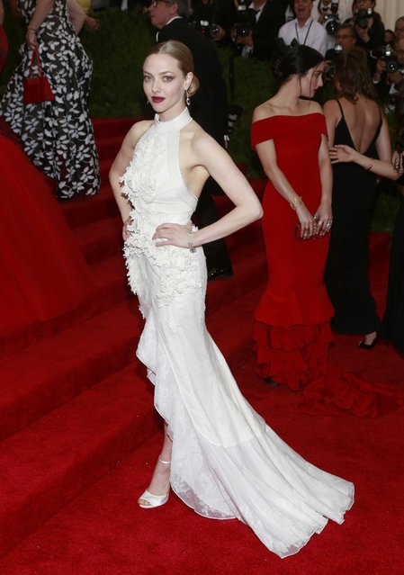 "U.S. actress Amanda Seyfried arrives for the Metropolitan Museum of Art Costume Institute Gala 2015 celebrating the opening of ""China: Through the Looking Glass"" in Manhattan, New York May 4, 2015. (Photo by Andrew Kelly/Reuters)"