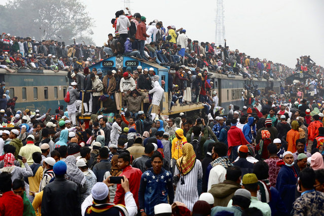 Muslims return home on an overcrowded train, after attending the final prayer of Bishwa Ijtema, which is considered the world's second-largest Muslim gathering after Haj, in Tongi, outskirts of Dhaka, Bangladesh, January 12, 2020. (Photo by Mohammad Ponir Hossain/Reuters)