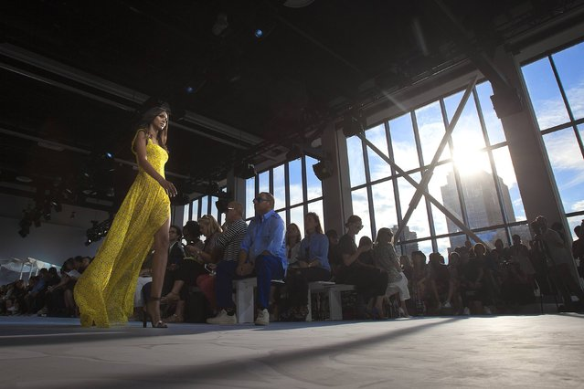 A model presents a creation during the Diane von Furstenberg Spring/Summer 2015 collection show during New York Fashion Week in the Manhattan borough of New York September 7, 2014. (Photo by Carlo Allegri/Reuters)