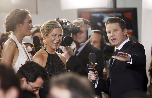 Actress Jennifer Aniston stops for an interview as she arrives at the 72nd Golden Globe Awards in Beverly Hills, California January 11, 2015. (Photo by Danny Moloshok/Reuters)