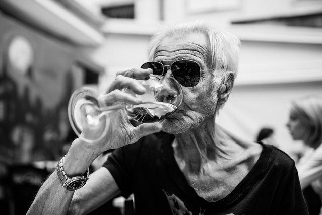 """""""Black sunglasses and white wine""""; Udine, Friuli-Venezia Giulia, Italy. (Giulio Magnifico)"""