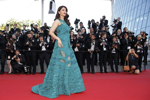 "Actress Aishwarya Rai Bachchan poses on the red carpet as she arrives for the screening of the film ""Carol"" in competition at the 68th Cannes Film Festival in Cannes, southern France, May 17, 2015. (Photo by Eric Gaillard/Reuters)"