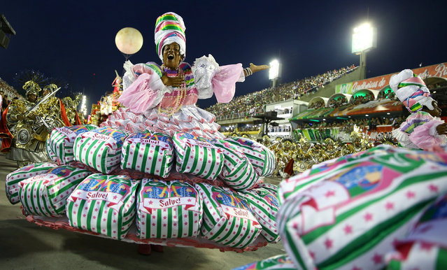 A reveller from Mangueira samba school performs during the second night of the carnival parade at the Sambadrome in Rio de Janeiro, Brazil February 28, 2017. (Photo by Pilar Olivares/Reuters)