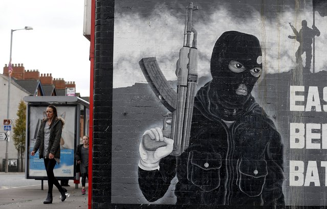 A paramilitary mural is seen on a wall in East Belfast in Northern Ireland, October 20, 2015. (Photo by Cathal McNaughton/Reuters)