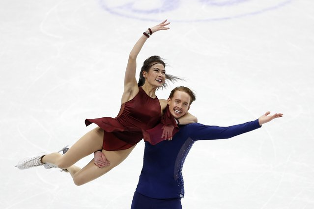 Madison Chock and Evan Bates of the U.S. perform during the ice dance free dance program competition at the ISU Four Continents Figure Skating Championships in Seoul February 13, 2015. (Photo by Kim Hong-Ji/Reuters)