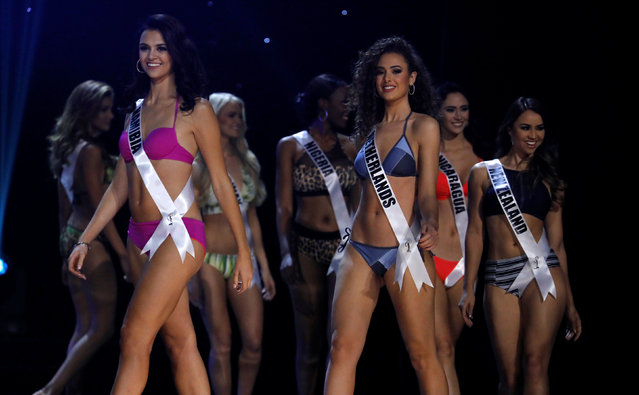 Miss Universe candidates parade in their swim suits during a preliminary competition in Pasay, Metro Manila, Philippines January 26, 2017. (Photo by Erik De Castro/Reuters)