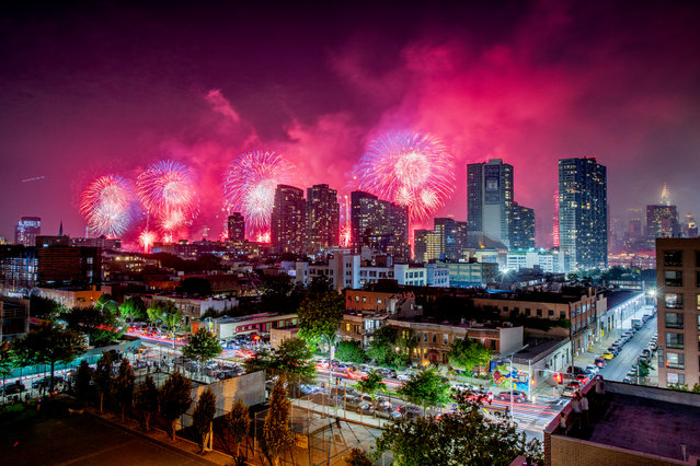 The 2018 New York City 4th of July Fireworks seen from Long Island City, Queens on July 4, 2018 in New York City. (Photo by Roy Rochlin/Getty Images)