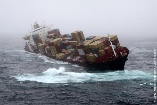 Authorities Fear MV Rena May Break-Up In Rough Seas