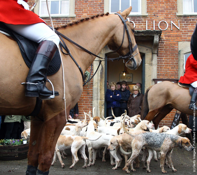 Participants Prepare For Traditional Boxing Day Hunt