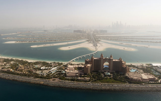 An aerial view of The Palm Jumeirah and Atlantis hotel in Dubai, January 7, 2012. (Photo by Jumana El Heloueh/Reuters)