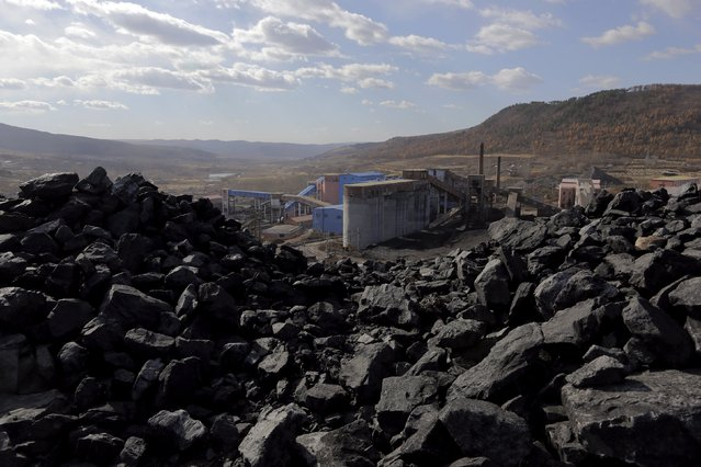 A general view shows Pinggang coal mine from the state-owned Longmay Group on the outskirts of Jixi, in Heilongjiang province, China, October 24, 2015. (Photo by Jason Lee/Reuters)