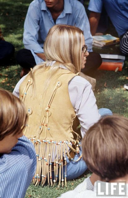 Southern California high schooler wears a buckskin vest and other hippie fashions, 1969. (Photo by Arthur Schatz/Time & Life Pictures/Getty Images)