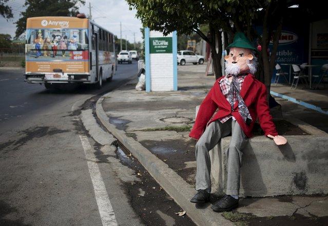 A handmade puppet is seen along a street in Managua, Nicaragua, December 30, 2015. (Photo by Oswaldo Rivas/Reuters)