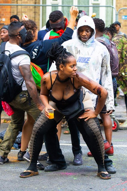 Revellers take part in the Notting Hill Carnival in London, Britain on August 26, 2018. (Photo by South West News Service)