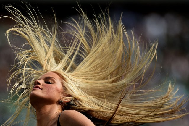 A Philadelphia Eagles cheerleader dances during the second half of an NFL between Philadelphia Eagles and San Diego Chargers at Lincoln Financial Field on September 15, 2013 in Philadelphia, Pennsylvania. The San Diego Chargers won, 33-30. (Photo by Patrick Smith/Getty Images)