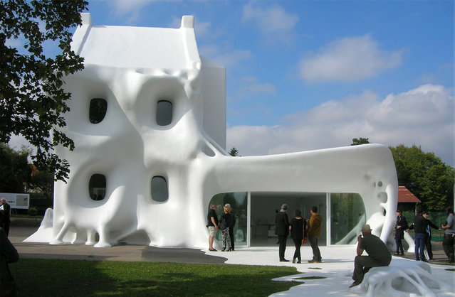 Gue(ho)st House In France