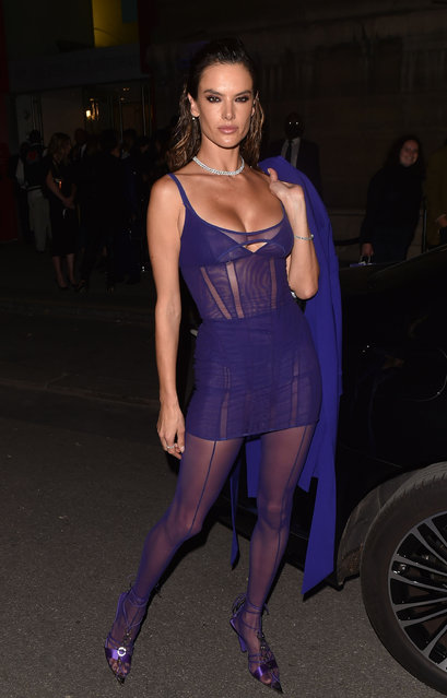 """Brazilian-American model Alessandra Ambrosio is seen leaving the """"Thierry Mugler : Couturissime"""" Photocall as part of Paris Fashion Week at Musee Des Arts Decoratifs on September 28, 2021. (Photo by Neil Warner/The Mega Agency)"""
