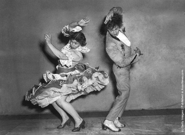 Spanish flamenco dancers Rosario and Antonio rehearse the triana at the Cambridge Theatre in London, 13th June 1951