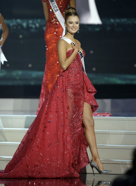 Miss Ukraine Diana Harkusha poses during the Miss Universe pageant in Miami, Sunday, January 25, 2015. (Photo by Wilfredo Lee/AP Photo)
