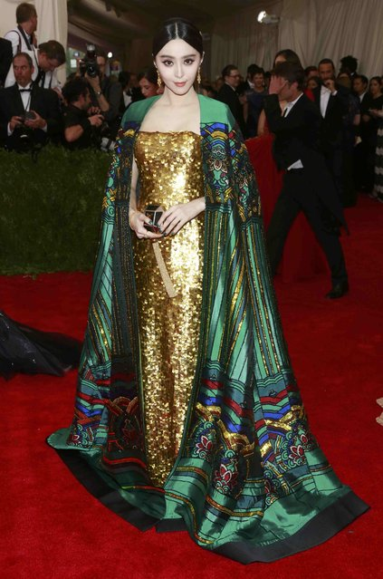 "Chinese actress Fan Bingbing arrives for the Metropolitan Museum of Art Costume Institute Gala 2015 celebrating the opening of ""China: Through the Looking Glass"" in Manhattan, New York May 4, 2015. (Photo by Andrew Kelly/Reuters)"