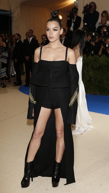 """Hailee Steinfeld attends """"Rei Kawakubo/Comme des Garcons: Art Of The In-Between"""" Costume Institute Gala – Arrivals at Metropolitan Museum of Art on May 1, 2017 in New York City. (Photo by Carlo Allegri/Reuters)"""