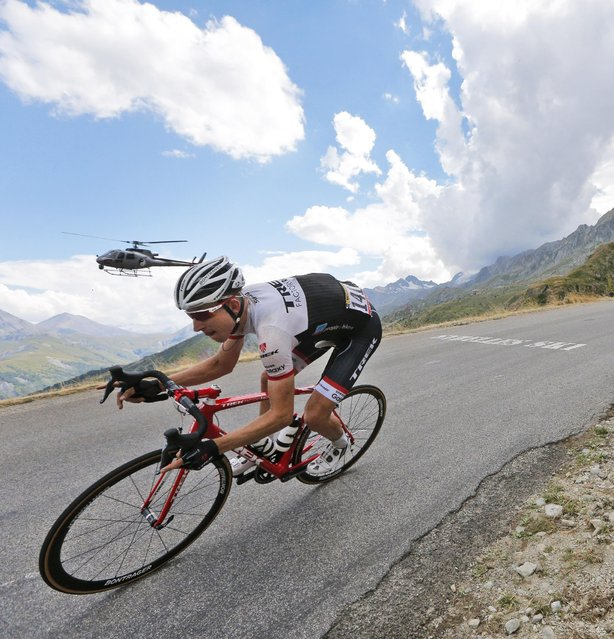 Bauke Mollema of the Netherlands speeds downhill during the nineteenth stage of the Tour de France cycling race over 138 kilometers (85.7 miles) with start in Saint-Jean-de-Maurienne and finish in La Toussuire, France, Friday, July 24, 2015. (Photo by Christophe Ena/AP Photo)