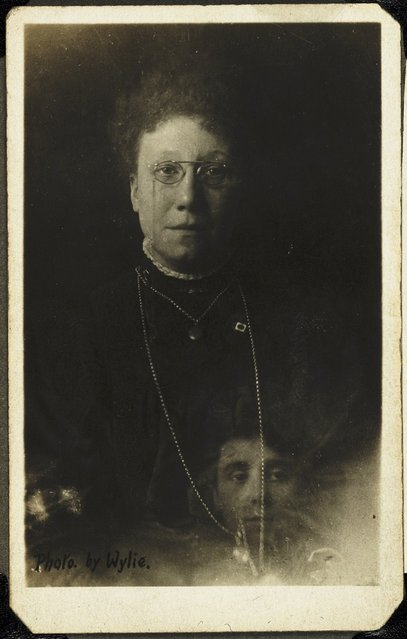 Mrs Bentley and the spirit of her deceased sister