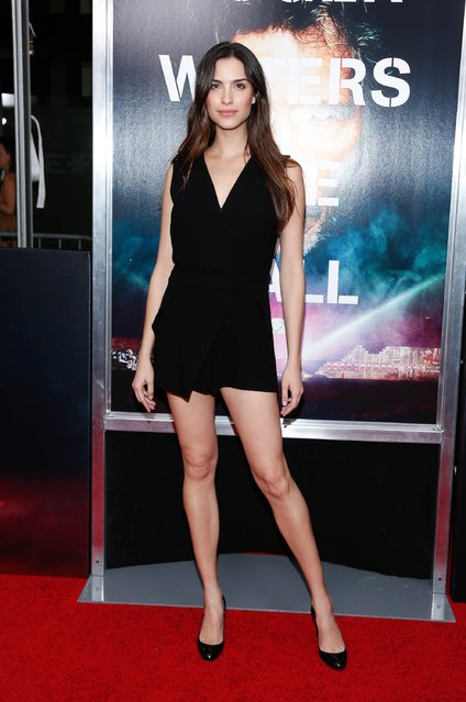 """Natalia Beber attends the New York Premiere of """"Roger Waters The Wall"""" at Ziegfeld Theater on September 28, 2015 in New York City. (Photo by Rob Kim/Getty Images)"""