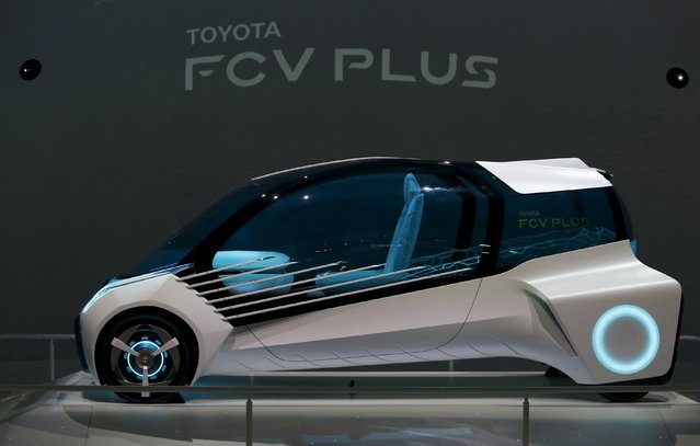 Toyota Motor Corp's hydrogen fuel-cell concept car Toyota FCV PLUS is displayed at the 44th Tokyo Motor Show in Tokyo, Japan, October 28, 2015. Asia's two autos powerhouses, Japan and China, are jostling for supremacy in how future electric cars should generate their power – from batteries or hydrogen-powered fuel-cells. (Photo by Yuya Shino/Reuters)