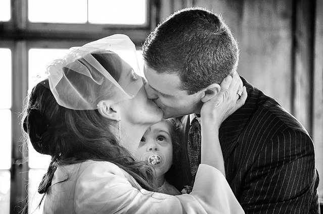 The first kiss – 1st place – first dance. Canmore, Alberta. (Photo by Erika Mann/Caters News)
