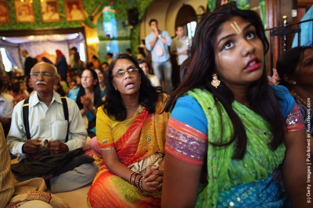 Hindus Gather In Watford For The Largest Hindu Festival Outside India