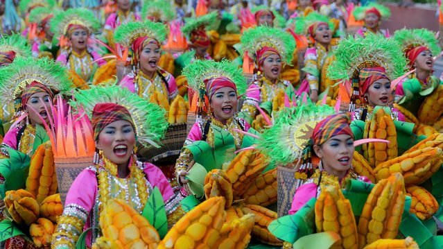 Dancers perform during the annual Aliwan Fiesta in Manila, the Philippines, April 28, 2019. The Aliwan Fiesta is the annual summer dance festival competition, showcasing folk and ethnic performing art from around the country. (Photo by Alamy Live News)