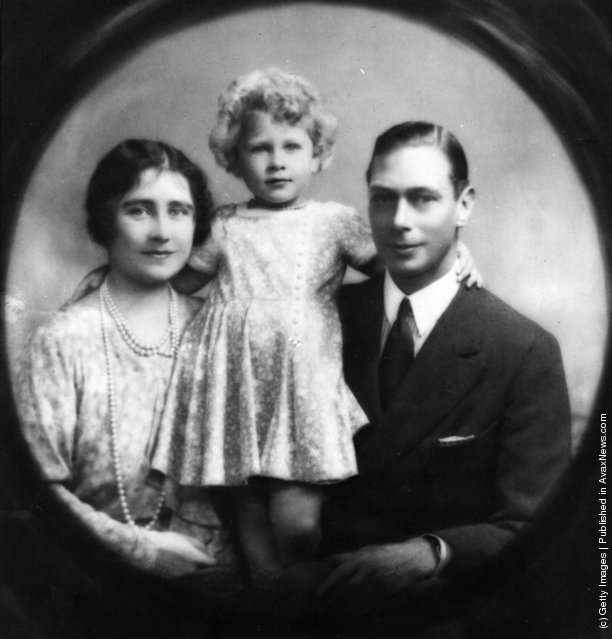 1929: Future King and Queen George, Duke (1895 - 1952) and Elizabeth Angela, Duchess of York (1900 - 2002), with future Queen, Princess Elizabeth
