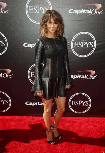 Actress Halle Berry arrives for the 2015 ESPY Awards in Los Angeles, California July 15, 2015. (Photo by Danny Moloshok/Reuters)
