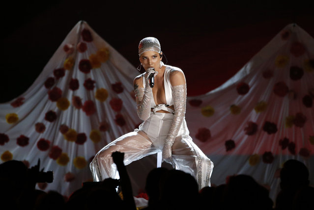 """Halsey performs """"Now or Never"""" onstage during the 2017 Billboard Music Awards at T-Mobile Arena on May 21, 2017 in Las Vegas, Nevada. (Photo by Mario Anzuoni/Reuters)"""