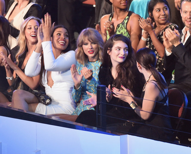 Recording artists Jordin Sparks (2nd L), Taylor Swift (C), and Lorde (2nd R) attend the 2014 MTV Video Music Awards at The Forum on August 24, 2014 in Inglewood, California. (Photo by Michael Buckner/Getty Images)