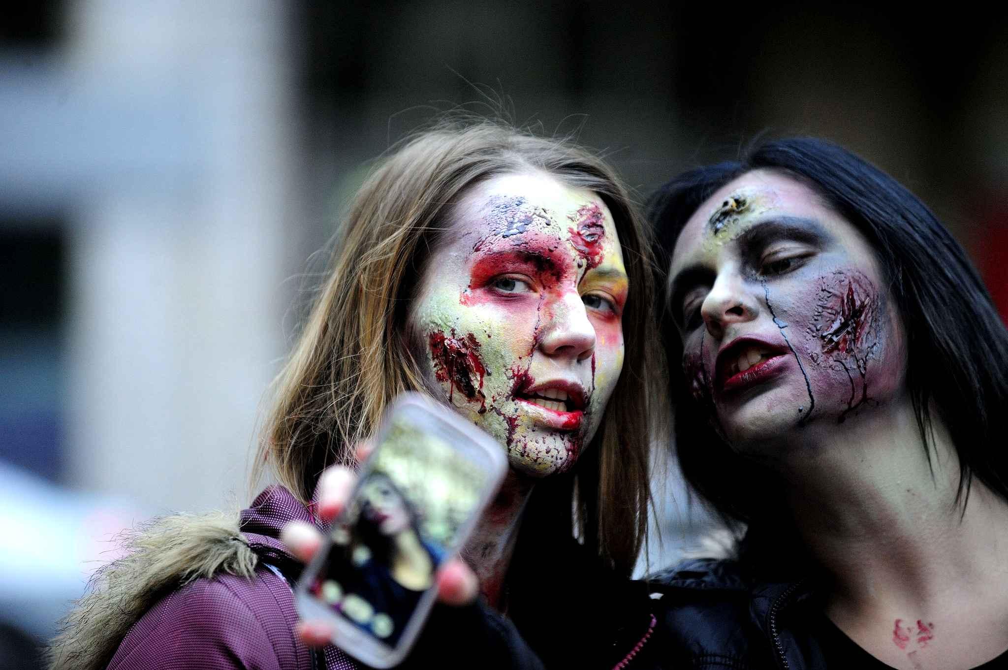 время картинки про зомби в жизни вашему