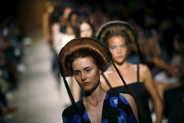 Models present creations by designer Kolovrat, as part of her Summer 2016 collection, during Lisbon Fashion Week, Portugal, October 11, 2015. (Photo by Rafael Marchante/Reuters)