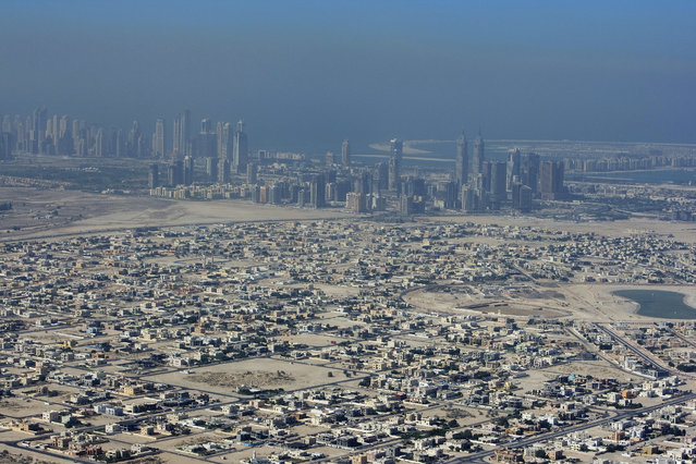 A view of the city of Dubai, in the haze, November 8, 2007. (Photo by Steve Crisp/Reuters)