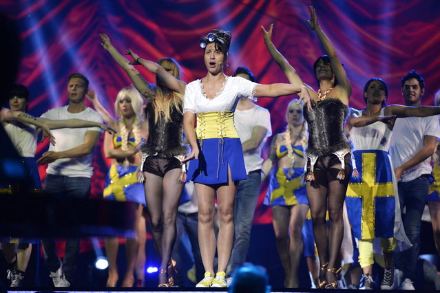 Eurovision TV host Petra Mede performs during the dress rehearsal for the final of the 2013 Eurovision Song Contest at the Malmo Arena Hall, May 17, 2013. The final of the 2013 Eurovision song contest will be held on May 18. (Photo by Jessica Gow/Reuters/Scanpix)