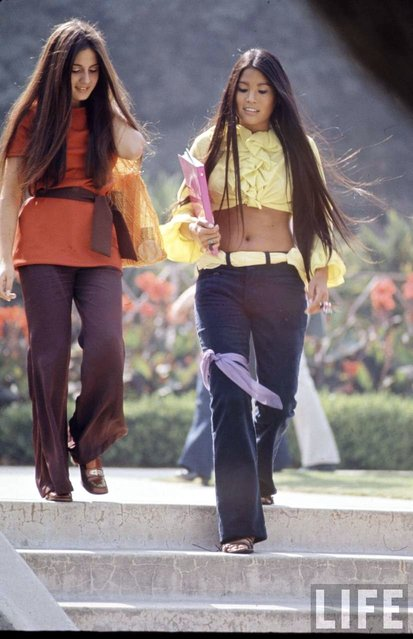 "High school students wearing ""hippie"" fashion, 1969. (Photo by Arthur Schatz/Time & Life Pictures/Getty Images)"